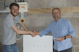 Powerwall2, Robert Llewellyn, customer, happy