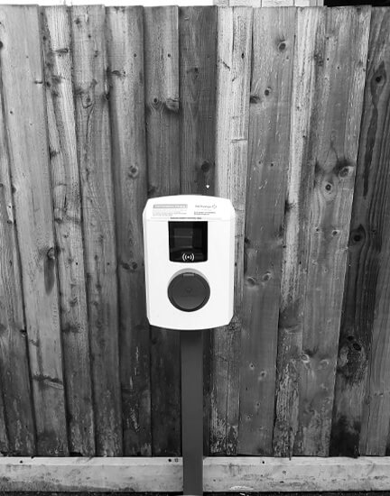Alfen, black and white, ev charger, Test Valley