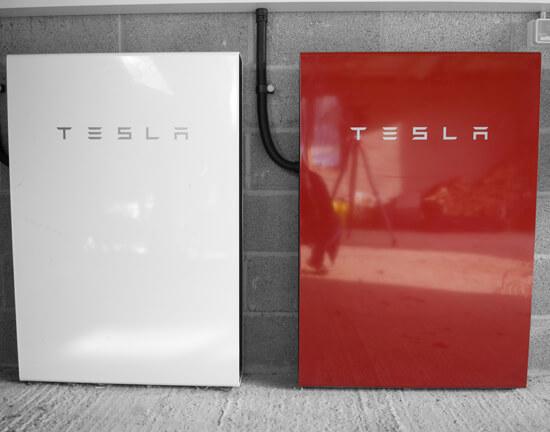 Red Powerwall, Robert Llewellyn, Tesla